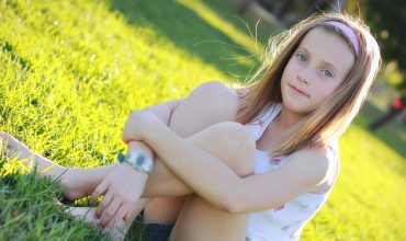 How To Keep Puberty From Killing Your Tween's Girl's Confidence